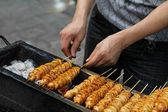 Spicy barbecued tofu kebabs — Stock Photo