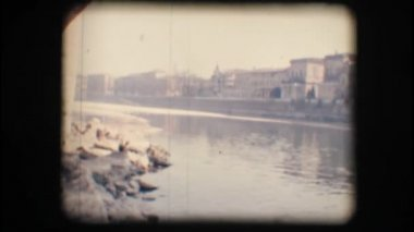 Vintage 8mm. Adige river and buildings — Stock Video