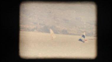Bir göl üzerinde Caretta Vintage 8 mm. — Stok video