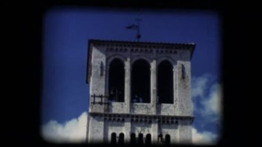 Vintage 8mm. Steeple of Basilica of San Francesco (Saint Francis) in Assisi — Stock Video