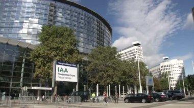 Main door of exhibition centre in Frankfurt — Stock Video