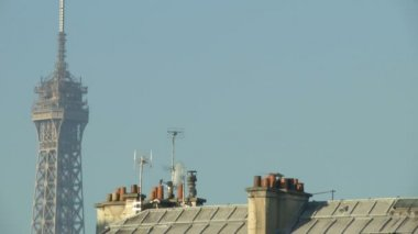 Tour Eiffel and typical french roof — Stock Video
