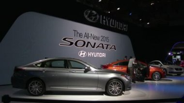 The new Hyundai Sonata at the New York International Auto Show — Stock Video