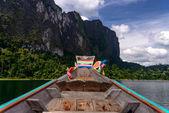 「チェオ」lan 湖カオ ソック国立公園タイ — ストック写真