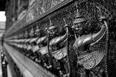 El gran palacio. templo del buda esmeralda. oro ornamental — Foto de Stock