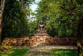 Sitting Buddha statue in tempel Thailand — Stock Photo