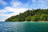 Kho Ngai island in Trang, Thailand — Stock Photo