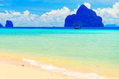 Kradan Island, an island in the Andaman Sea, Thailand — Stock Photo