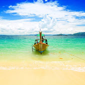 Long tailed boat at Kradan island, Thailand — Stock Photo