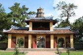 Entrance gate at Thien Mu pagoda monastery — Stock Photo