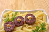 Macarrão com salsicha — Foto Stock