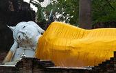 Estátua de buda de ouro — Fotografia Stock