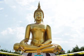 Golden buddha statue of thailand — Stock Photo