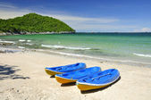 Canoe at beach — Stock Photo