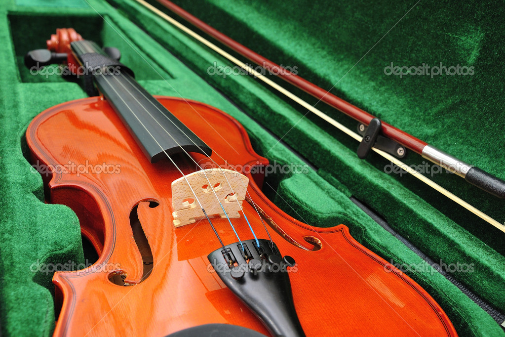 Violin in a boxe set  Stock Photo #18040459