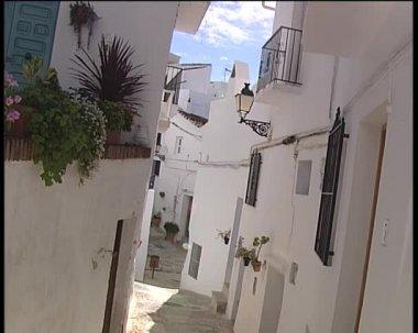 Calle típica en la aldea de andalucía. — Vídeo de Stock