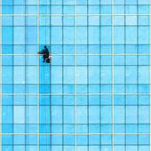 Washer wash the windows — Stock Photo