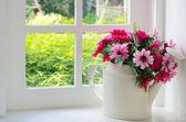Buquê de flores artificiais — Foto Stock