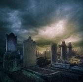 Cimetière, cimetière avec pierres tombales dans la nuit — Photo