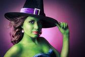 Mignonne et sexy sorcière halloween — Photo