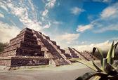 Aztec pyramid, Mexico — Stock Photo