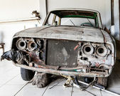 Very Old and Decrepit Car Awaiting Restoration — Stock Photo