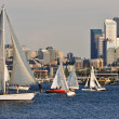 Sailing in the city — Stock Photo