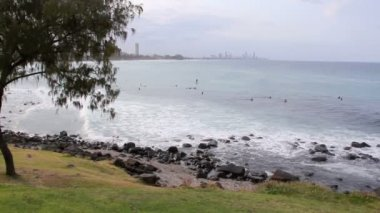 View from Burleigh Heads Hill looking North to Surfers Paradise on the Gold Coast Australia — Стоковое видео