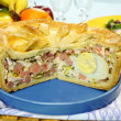 Ham And Egg Pie — Stock Photo #19619109