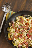 Mediterranean Salami Spaghetti — Stock Photo