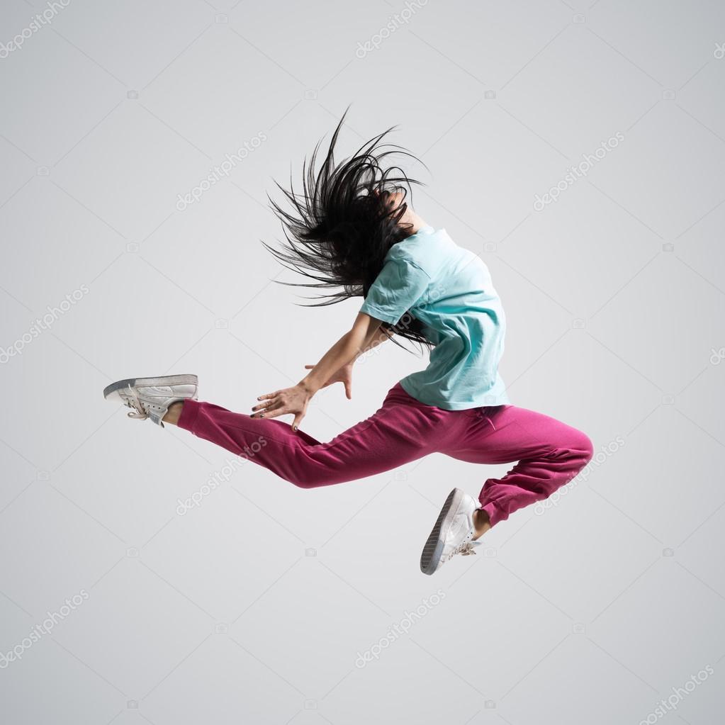 Сексуальная девушка прыгает 3 фотография
