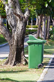 Trash can in park — Foto Stock