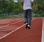 Runner correr à luz da noite — Foto Stock