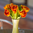 Close up elegance flower bouquet on table — Stock Photo #35208849