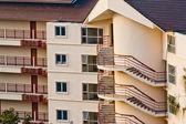 Moderno edificio de apartamentos — Foto de Stock