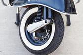 Wiel van grote motorfiets. — Stockfoto