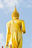 Walking Buddha statue — ストック写真