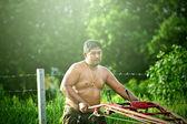 Tajski rolnik na mały ciągnik — Zdjęcie stockowe