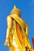 Walking Buddha-statue — Stockfoto