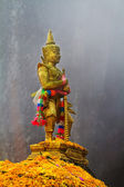 Giant sculpture standing in mountain, Thailan — 图库照片