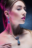 Beautiful fashion model posing in exclusive jewelry. Profession — Foto Stock