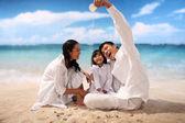 Family with beach — Stock fotografie