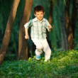 Boy running — Stockfoto