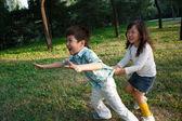 Children playing outdoors — Stockfoto