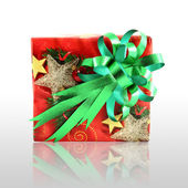 Christmas gift box with green bow — Stok fotoğraf
