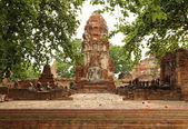 Oud standbeeld van boeddha in de tempel van wat mahathat, thailand — Stockfoto