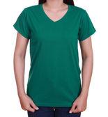Blank t-shirt on woman  — Stock Photo
