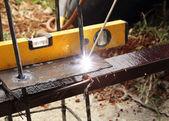 Electric welding connecting metal — Foto de Stock