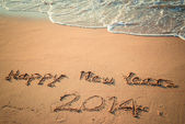 Writing Happy New Year's 2014 on the Beach in Thailand — Foto Stock
