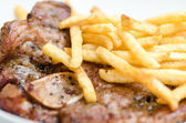 Steak beefsteak with french fries — Stockfoto